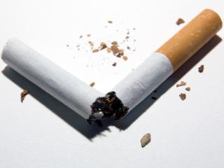 香烟和电子烟哪个危害大?快来一起看吧! 香烟专题,烟和电子烟哪个危害大,电子烟的危害