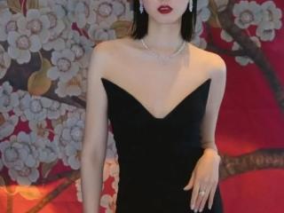 万茜黑色礼裙出席活动,完美身材秀出迷人曲线  活动,万茜活动照,万茜的身材,万茜活动穿搭