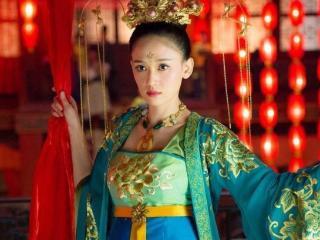 盘点那些年古装剧中的眉心印女神,杨幂排第六,第一是她我服!  赵丽颖