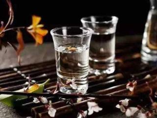 口感发甜的白酒是不是好酒?来看看吧! 名酒资讯,口感发甜白酒是好酒吗,怎么判断白酒的优劣