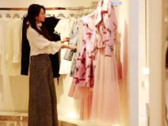你喜欢逛街买衣服吗?你知道做梦梦到逛街买衣服有什么预兆吗? 梦境解析,逛街买衣服,梦到逛街买衣服的寓意