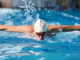 梦见自己游泳是什么预兆?梦到在河中游泳有什么特殊含义吗? 梦的百科,梦见自己游泳,梦见自己游泳什么预兆