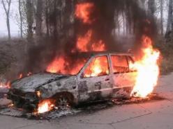 做梦梦见自己的车着火了,在现实中是不是好兆头? 梦境解析,车着火了,梦见车着火了什么意思