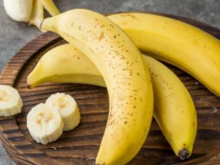 做梦梦到吃香蕉的解析,这个梦境的含义是好是坏呢? 植物,梦到香蕉,梦到吃香蕉的含义