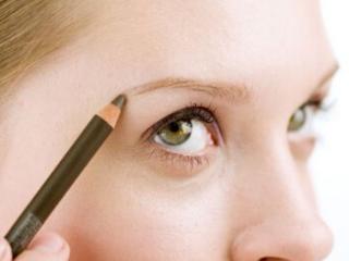 梦见画眉毛的含义是什么?梦见画眉毛意味着什么? 身体,梦见画眉毛,孕妇梦见画眉