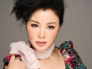 比刘晓庆都红的女星,为争儿子抚养权净身出户 刘晓庆