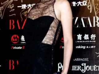 葉璇身穿黑色掛脖禮服裙亮相活動,盡顯女性優雅風范  活動,葉璇出席活動照,葉璇穿搭介紹,葉璇個人資料