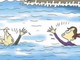 梦到自己掉进水里是什么意思?梦到掉入水沟里是什么意思 梦的故事,梦到自己掉进水里,梦到掉进水里什么意思