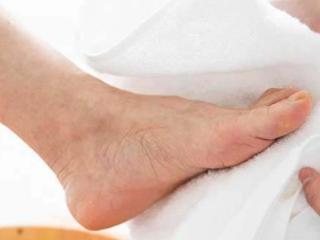 梦到洗脚水代表啥意思?梦见洗脚有什么征兆? 身体,梦见洗脚,孕妇梦见洗脚
