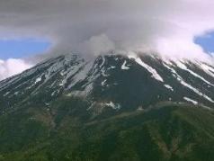 晚上睡觉的时候做梦梦见了山在生活中意味着什么?梦见山代表什么 自然,山,梦见山是什么意思