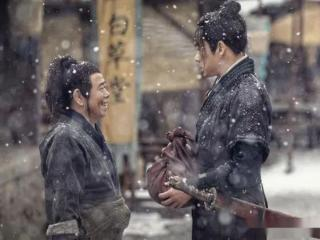 """电影《武松血战狮子楼》上架,潘长江演绎潘金莲""""深v""""风 电影"""