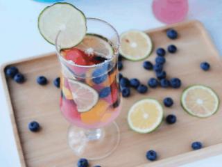 四季可以酿制哪些果酒?哪些水果可以用来酿酒?一起了解下吧! 名酒资讯,果酒有哪些,可以酿造的果酒推荐