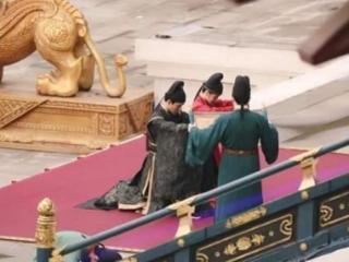 《安乐传》官服第一次曝光,女红男黑的官服,被网友称赞 龚俊