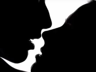 不同的人在梦中梦见和异性亲吻的时候,有些什么预示? 梦境解析,梦见和异性亲吻,梦到和异性亲吻