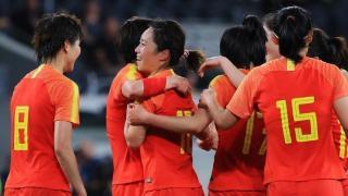12-2!中国女足强势横扫亚洲赛场,姑娘们的倔强,触动了贾秀全