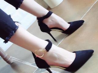 百搭一字扣带高跟鞋,尖头细跟完美修饰脚型,显瘦显高谁穿谁美丽