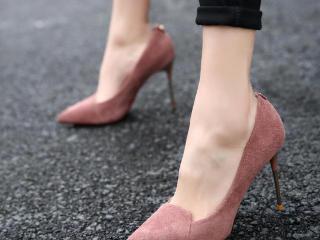 色彩斑斓的高跟鞋,让你美得不像话