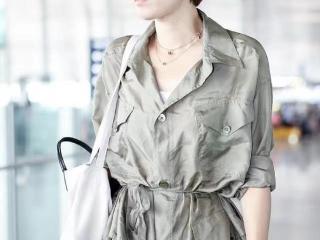 马伊琍真的好自信,衬衫裙满是褶皱照样穿,气质好仍显高级感