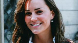 凯特王妃学生照曝光!穿蓝布裙看着好心动,扎丸子头婴儿肥显稚嫩