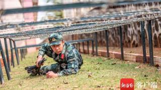从导弹检测手到南国卫士 武警战士刘锡涛二次入伍再续军旅梦