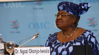 世贸组织迎来首位女性总干事,曾任尼日利亚财政部长