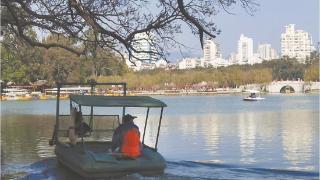 港澳学生及华裔青少年西湖采风