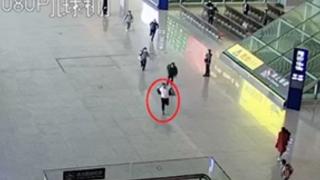【黔视频】贵州贵阳:武警战士休假偶遇窜逃嫌疑人 7秒擒获