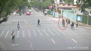 男子自行车被偷后连续11次下手偷车 自述像上瘾了一样