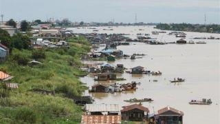震撼游客的洞里萨湖水上浮村要消失了!柬埔寨下令强拆