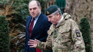 """新冠""""入侵""""英国军队?因接触阳性国防参谋长,英国防大臣等多名军事高官自我隔离"""