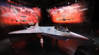 俄新型五代战机亮相莫斯科航展,普京称赞俄航空工业潜力巨大