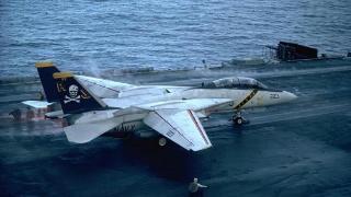 幕后真凶到底是谁?俄罗斯军用飞机撞崖坠海,28位乘员全部遇难